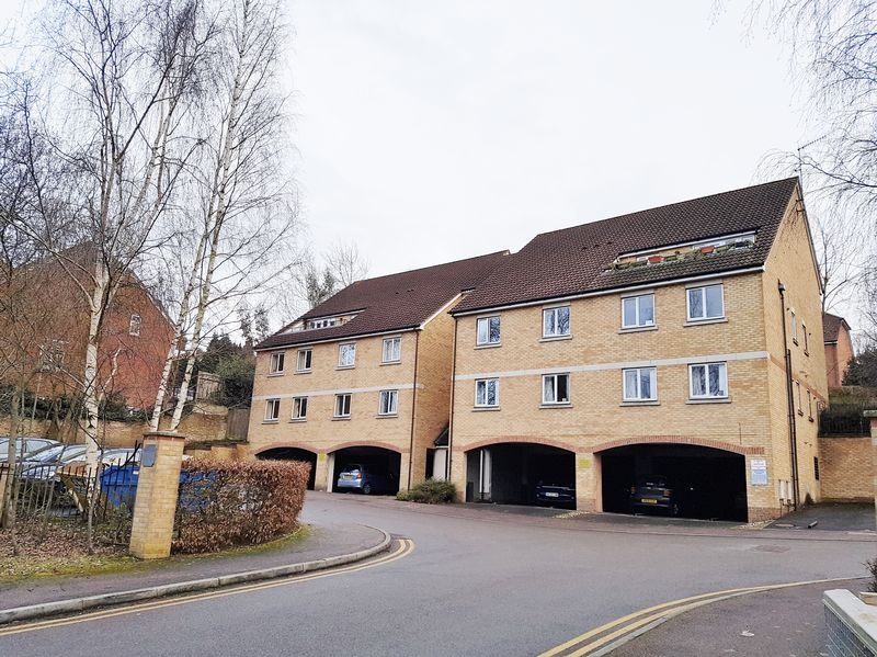 Knights Place, Redhill