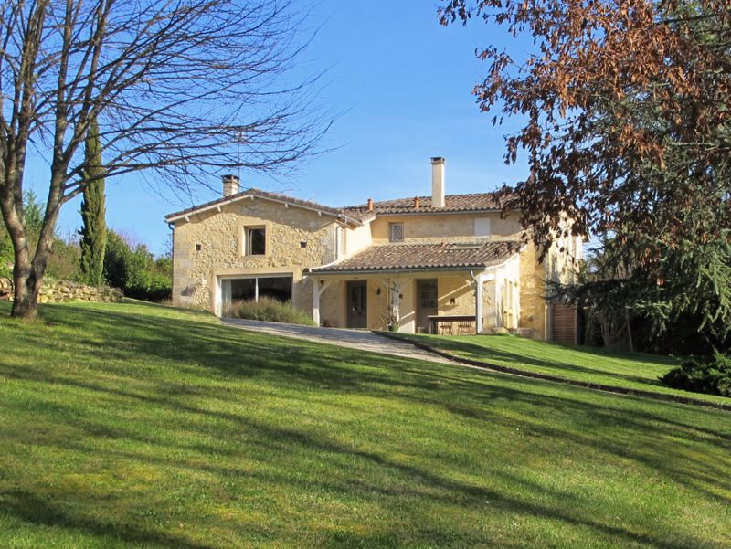 RARE AND SPECIAL as ony 40kms TO BORDEAUX - CHARACTER STONE HOUSE -