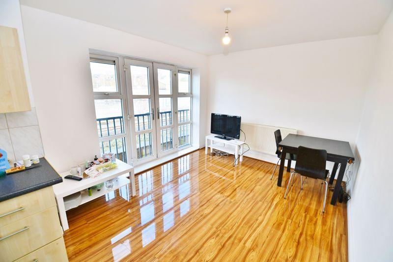 Apartment 3 I Lands No, 12, Image