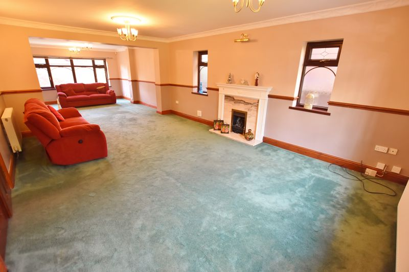 5 Bedroom Detached House For Sale - Photo 25