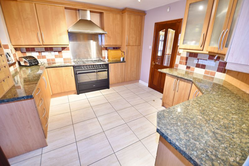 5 Bedroom Detached House For Sale - Photo 29