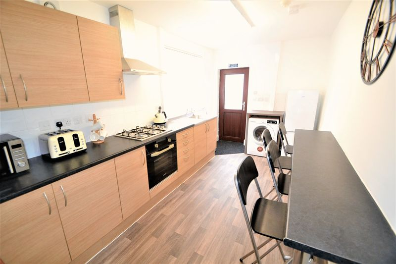 1 Bedroom Semi Detached House To Rent - Photo 11