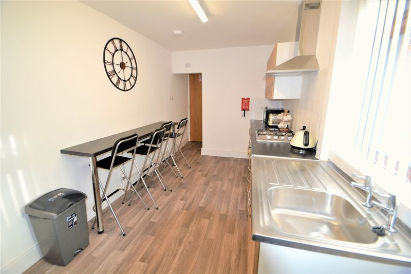 1 Bedroom Semi Detached House To Rent - Photo 12