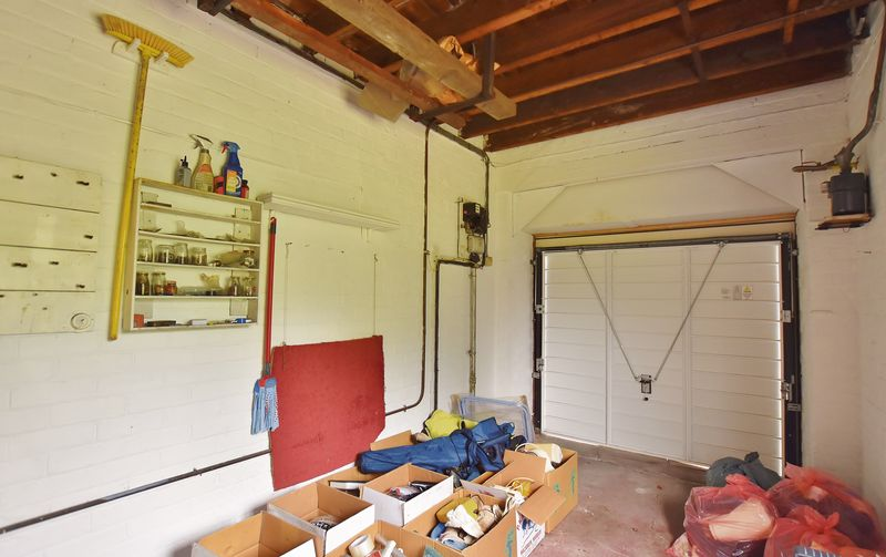 3 Bedroom Detached House For Sale - Photo 17