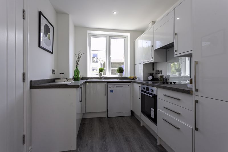 3 Bedroom Terraced House For Sale - Photo 23