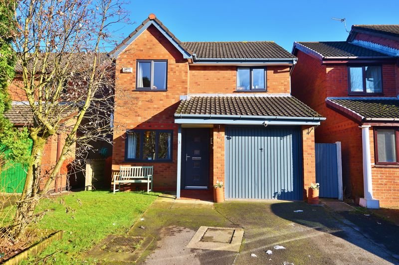 3 Bedroom Detached House For Sale - Photo 3