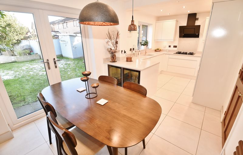 3 Bedroom Detached House For Sale - Photo 19