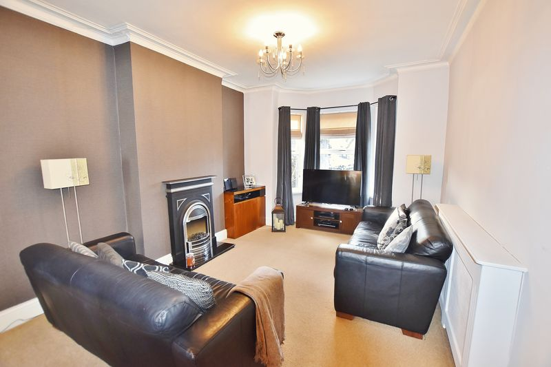 3 Bedroom End Terrace House For Sale - Photo 13