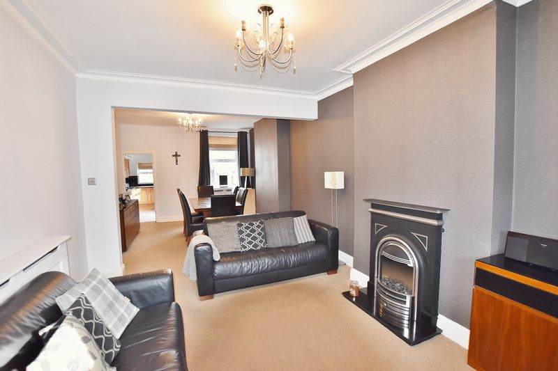 3 Bedroom End Terrace House For Sale - Photo 17