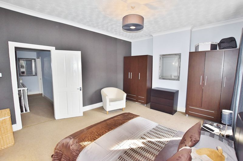 3 Bedroom End Terrace House For Sale - Photo 25