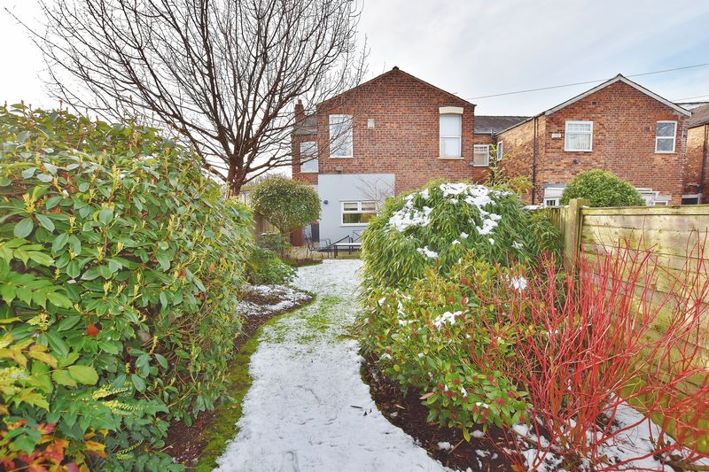 3 Bedroom End Terrace House For Sale - Photo 29
