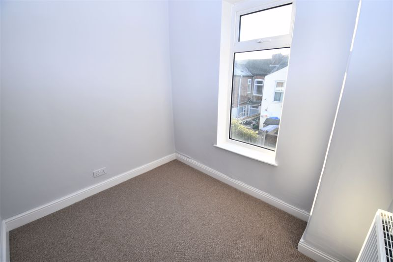 3 Bedroom Terraced House For Sale - Photo 9