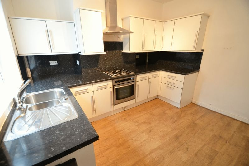2 Bedroom Terraced House To Rent - Photo 5
