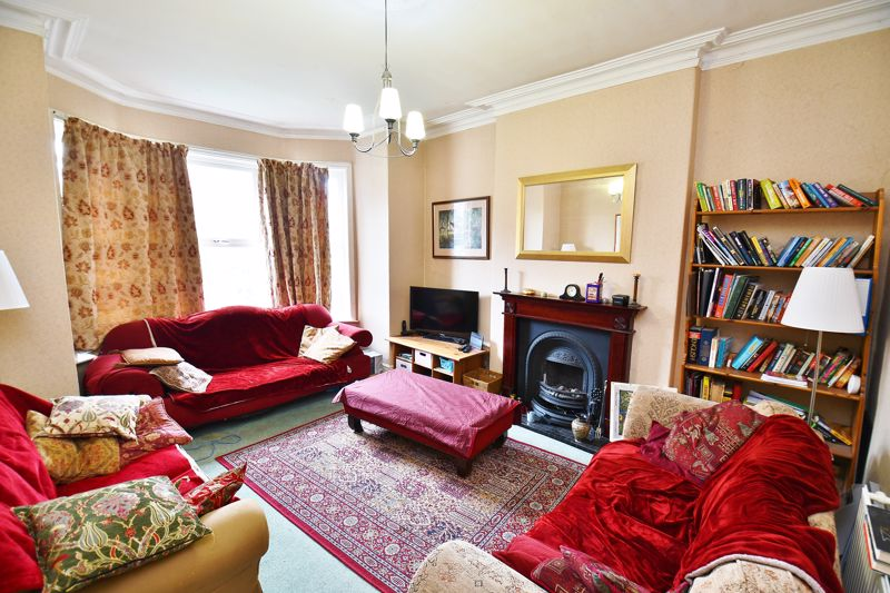 5 Bedroom Semi Detached House For Sale - Photo 1