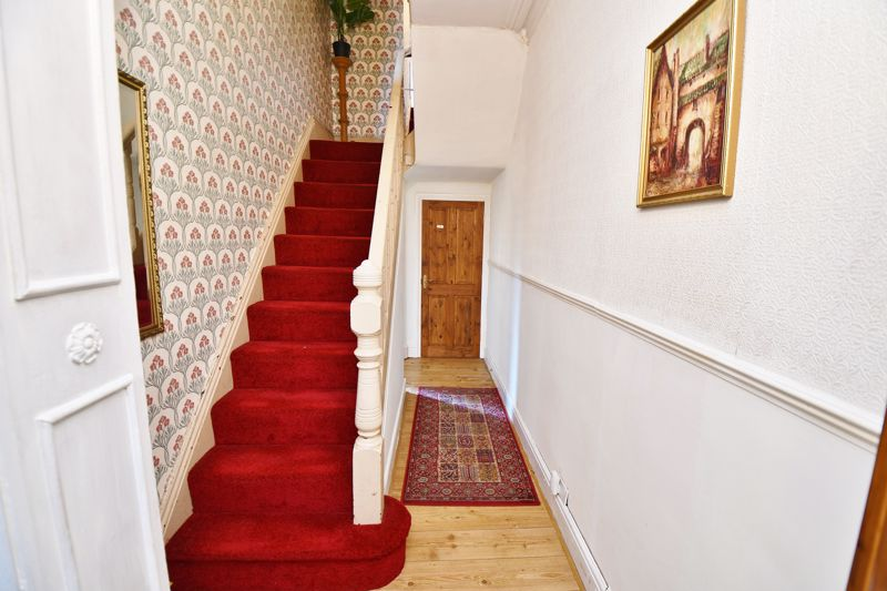 5 Bedroom Semi Detached House For Sale - Photo 2