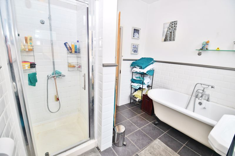 5 Bedroom Semi Detached House For Sale - Photo 9