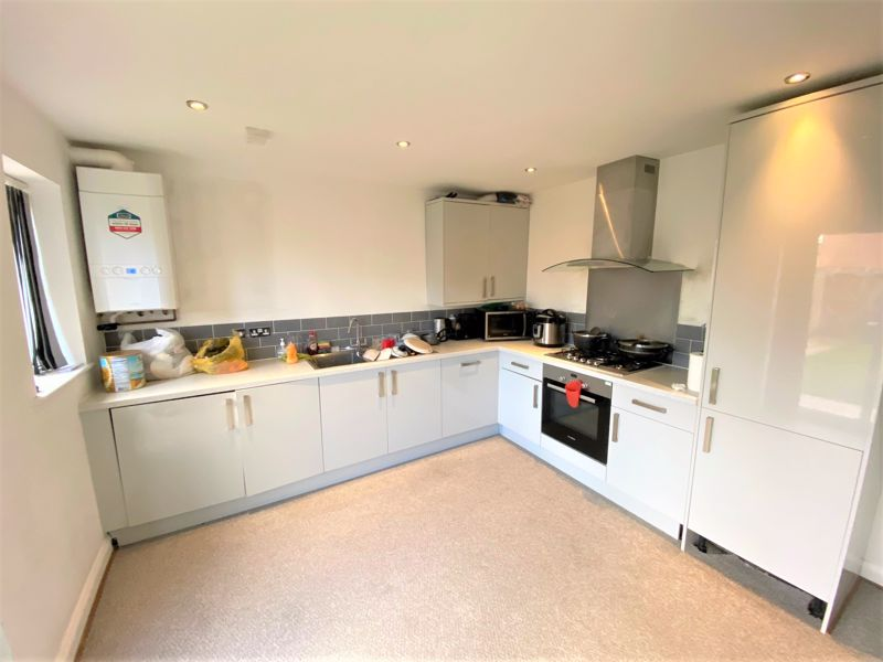 4 Bedroom Semi Detached House To Rent - Photo 17