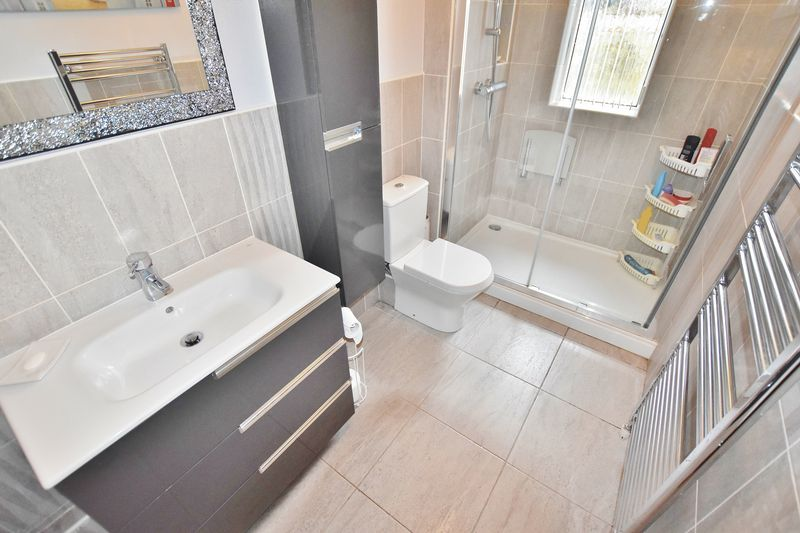3 Bedroom Detached Bungalow For Sale - Photo 9