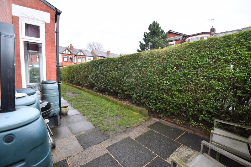 3 Bedroom End Terrace House For Sale - Photo 23