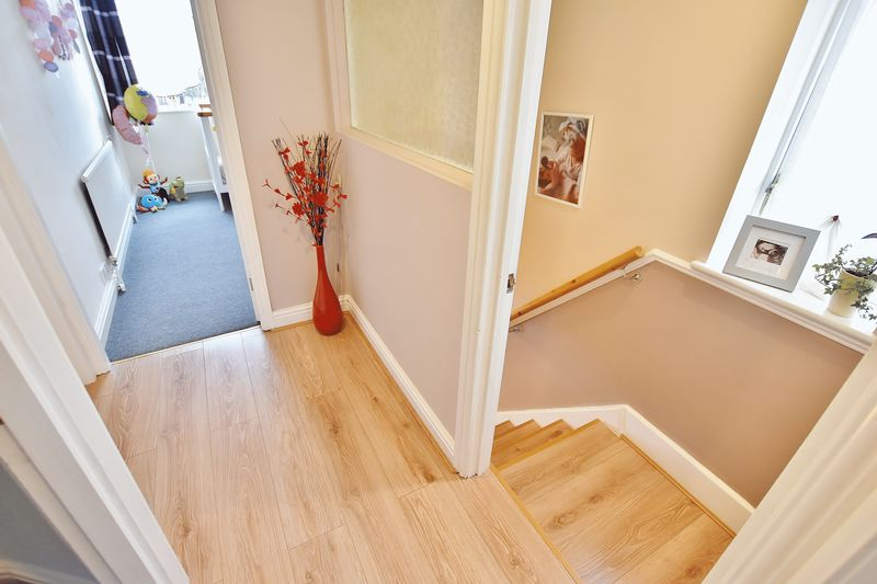 3 Bedroom End Terrace House For Sale - Photo 7