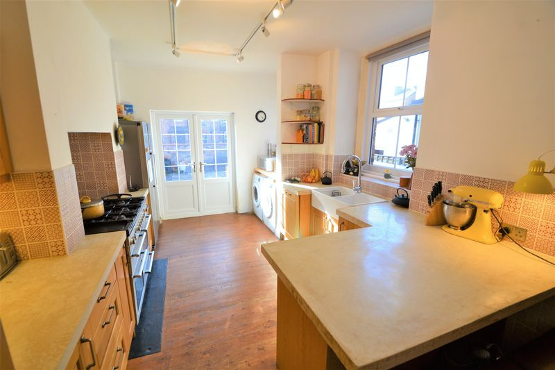 5 Bedroom Terraced House To Rent - Photo 4