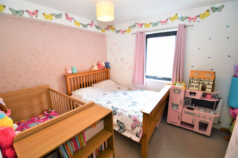 3 Bedroom Terraced House For Sale - Photo 7