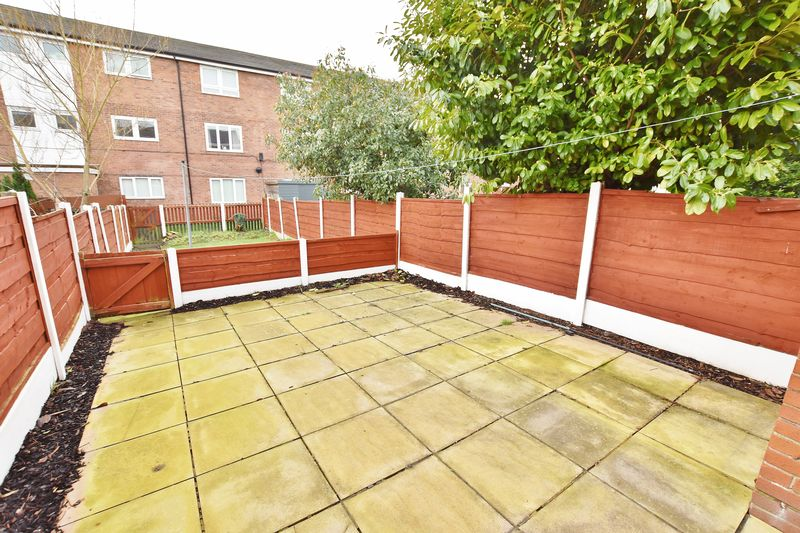 3 Bedroom Terraced House For Sale - Photo 4