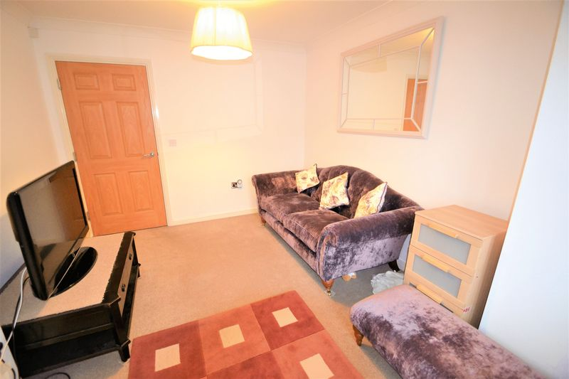 4 Bedroom Terraced House To Rent - Photo 22