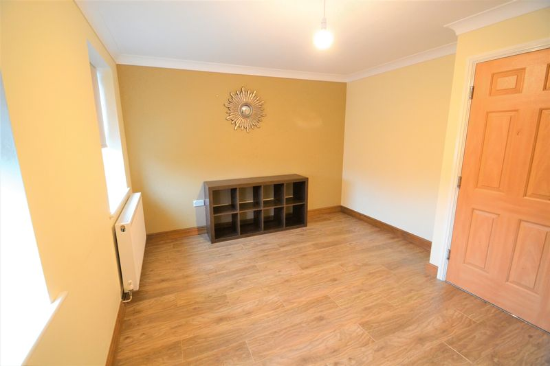 4 Bedroom Terraced House To Rent - Photo 8