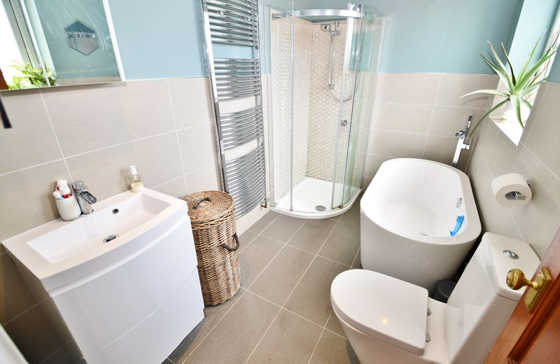 4 Bedroom Semi Detached House For Sale - Photo 9