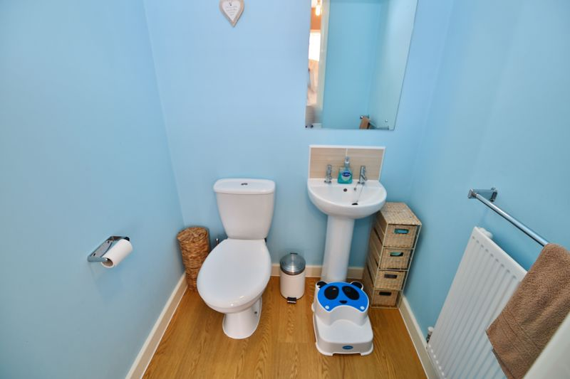 4 Bedroom House For Sale - Photo 7