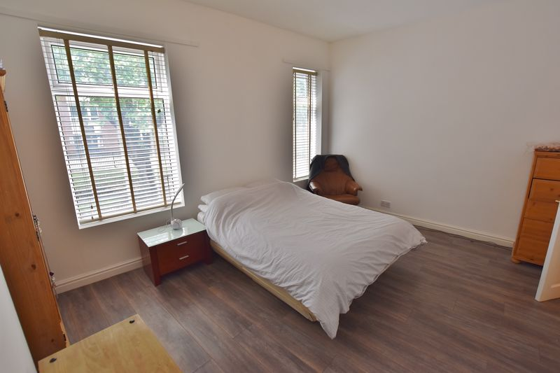 3 Bedroom Terraced House For Sale - Photo 5