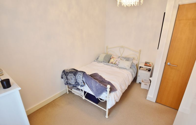 2 Bedroom End Terrace House For Sale - Photo 2