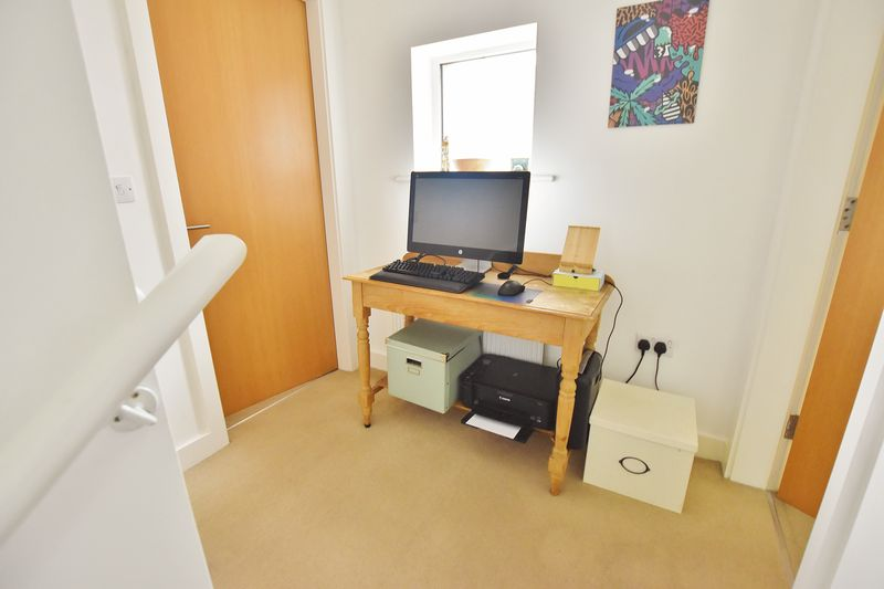 2 Bedroom End Terrace House For Sale - Photo 6