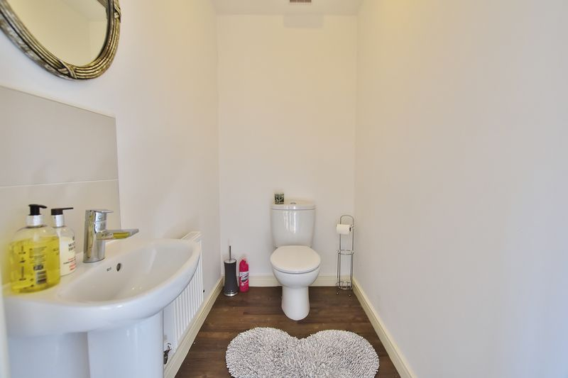 4 Bedroom Semi Detached House For Sale - Photo 12