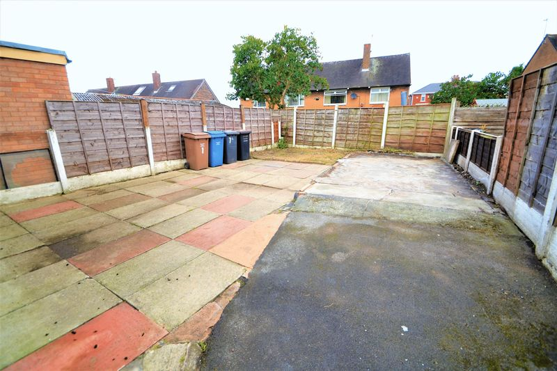 2 Bedroom Semi Detached House To Rent - Photo 2