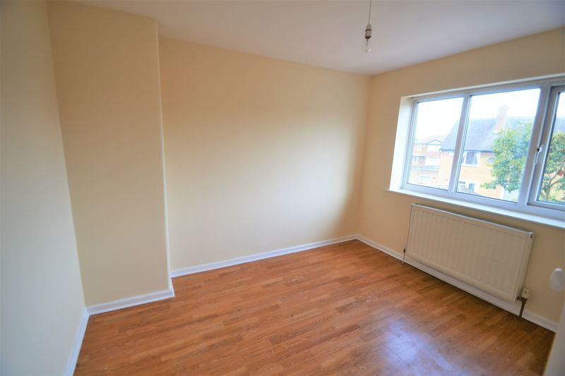 2 Bedroom Semi Detached House To Rent - Photo 4