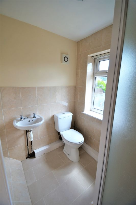2 Bedroom Semi Detached House To Rent - Photo 5