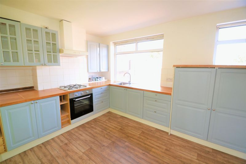 2 Bedroom Semi Detached House To Rent - Photo 8