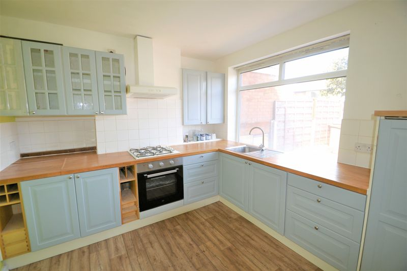 2 Bedroom Semi Detached House To Rent - Photo 9