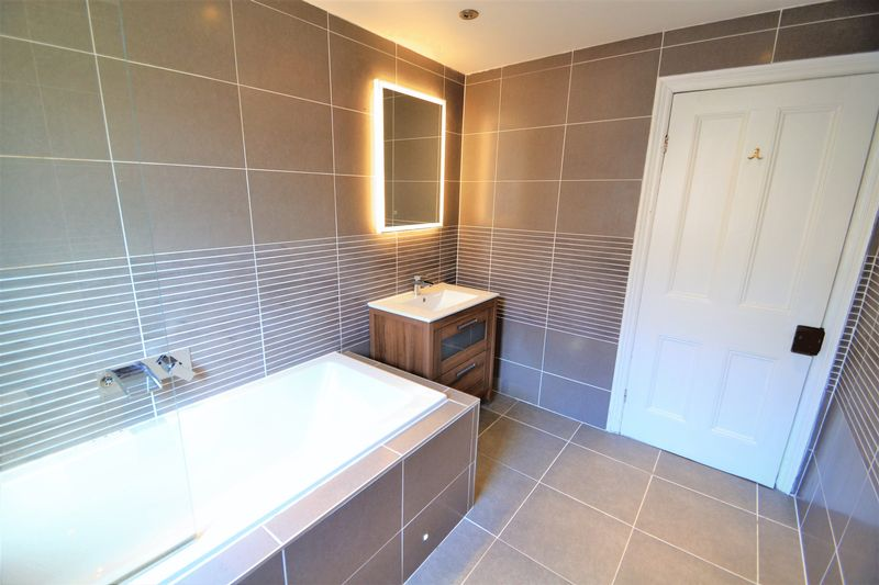 3 Bedroom Semi Detached House To Rent - Photo 17