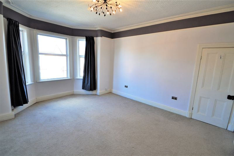 3 Bedroom Semi Detached House To Rent - Photo 24