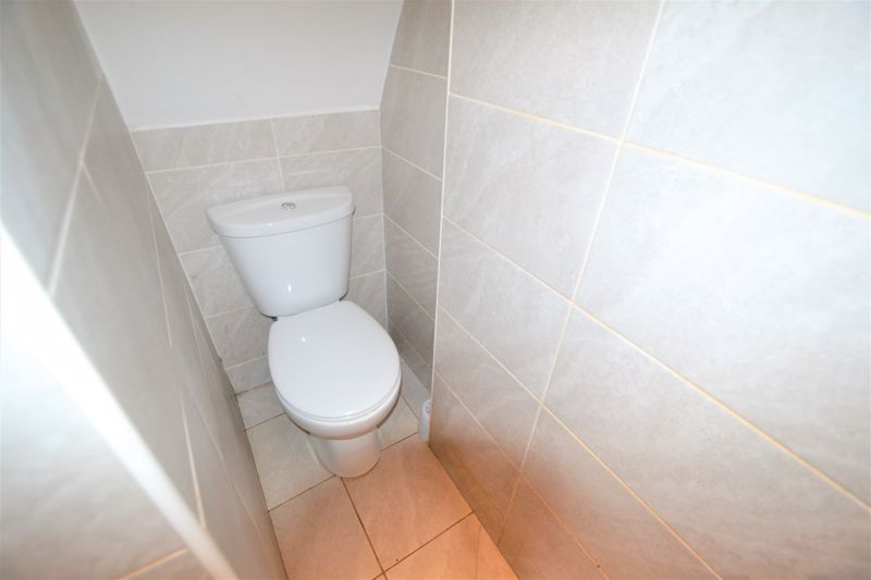 4 Bedroom Terraced House To Rent - Photo 6