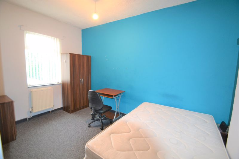 4 Bedroom Terraced House To Rent - Photo 17