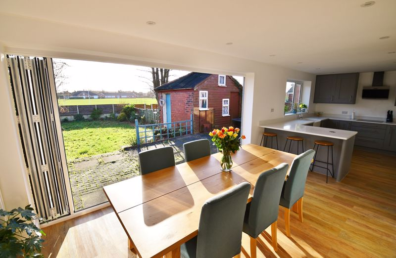 3 Bedroom Semi Detached House For Sale - Photo 25