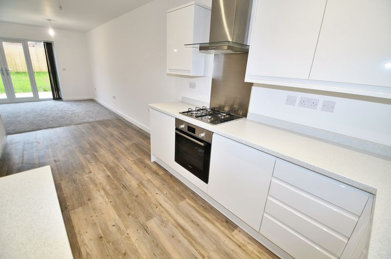 3 Bedroom Semi Detached House For Sale - Photo 8
