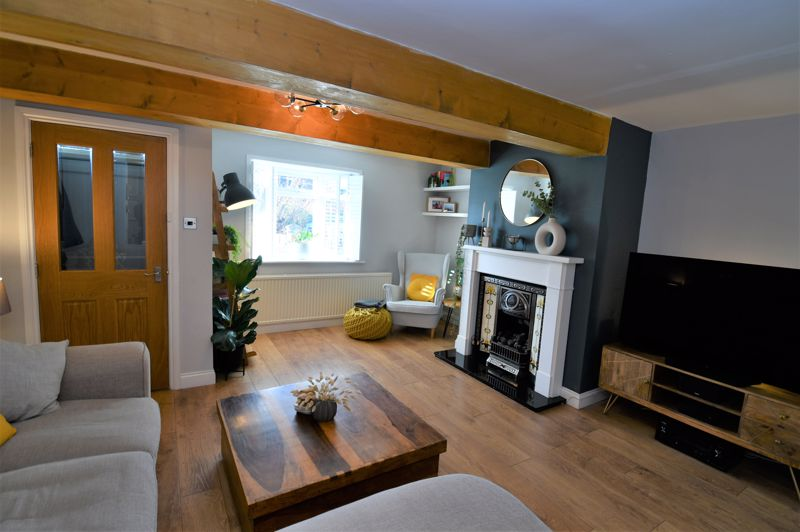 2 Bedroom End Terrace House For Sale - Photo 3
