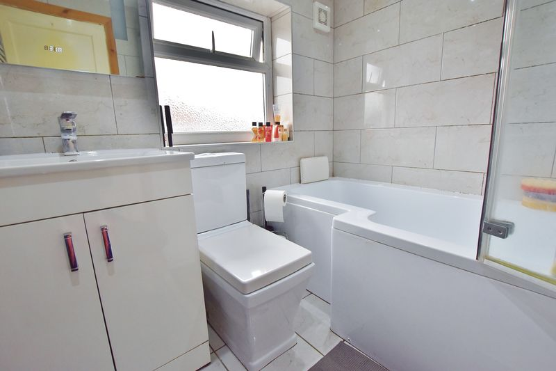 3 Bedroom Semi Detached House For Sale - Photo 9