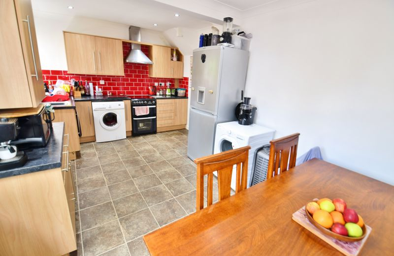 3 Bedroom Terraced House For Sale - Photo 19