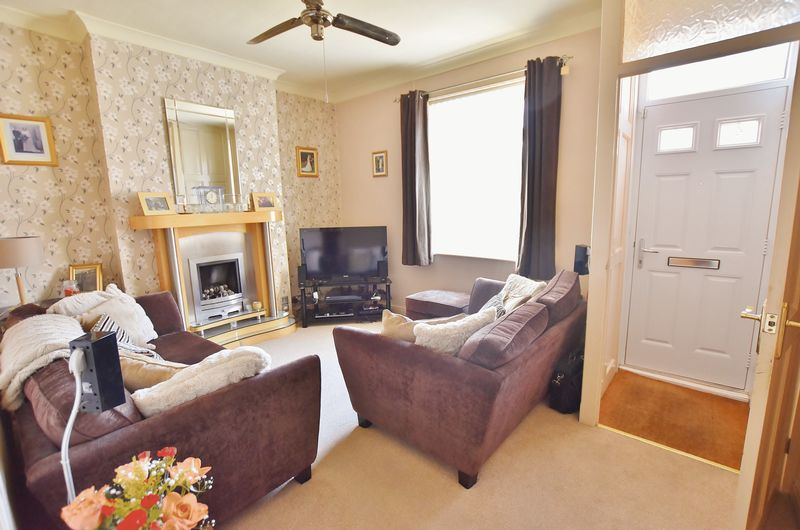 2 Bedroom End Terrace House For Sale - Photo 7